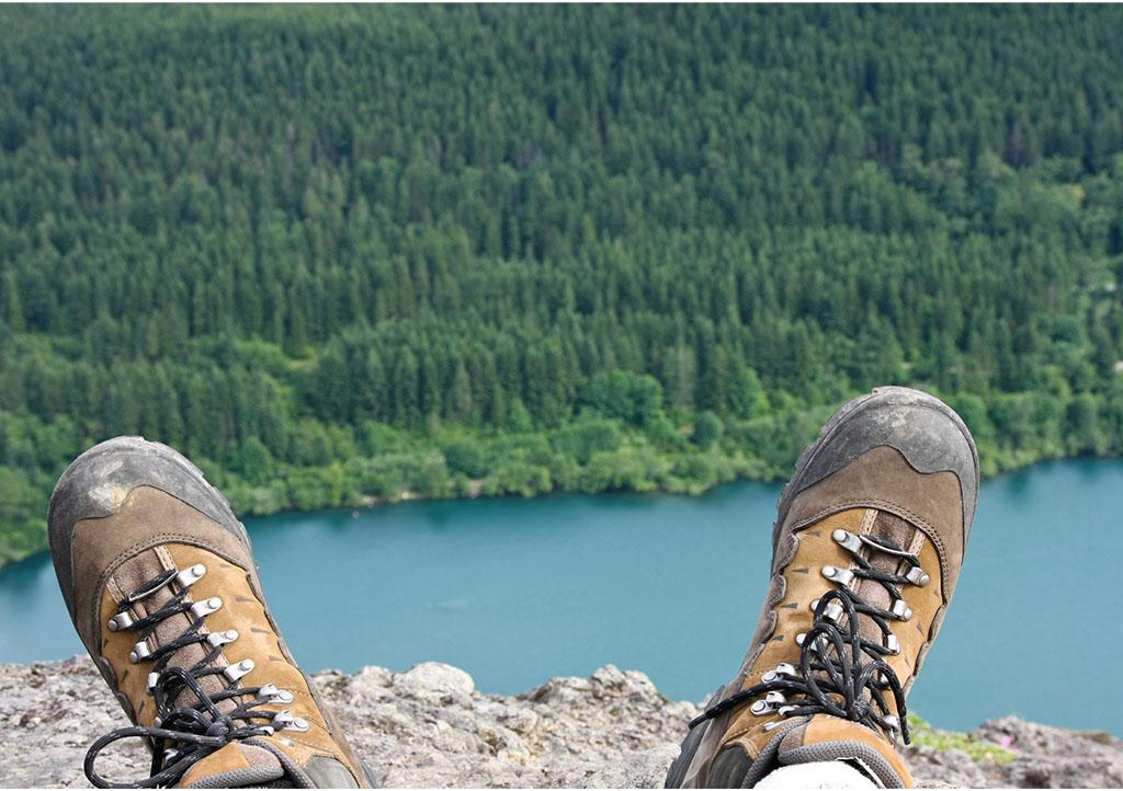 _0001s_0002_Schuhe vor See@4x