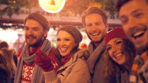 DEEPWOOD Weihnachtsfeier - Menschen bei einem weihnachtlichen Incentive
